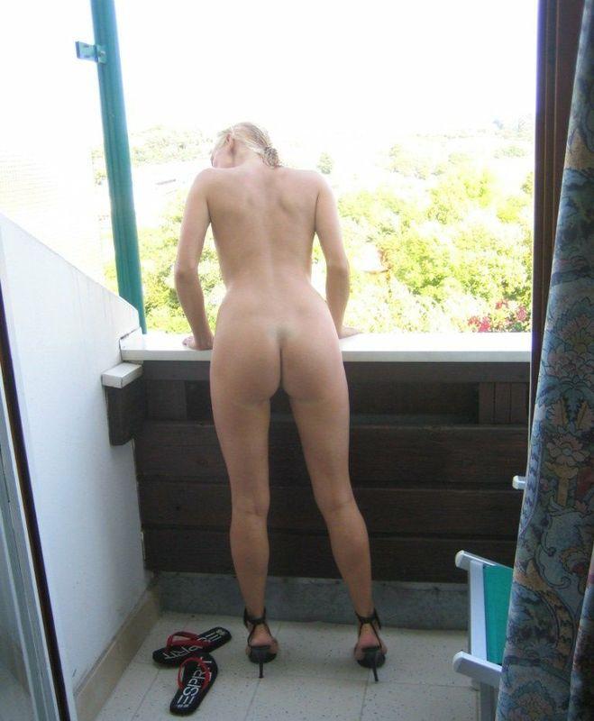 Возрастная блондинка жаждет секс