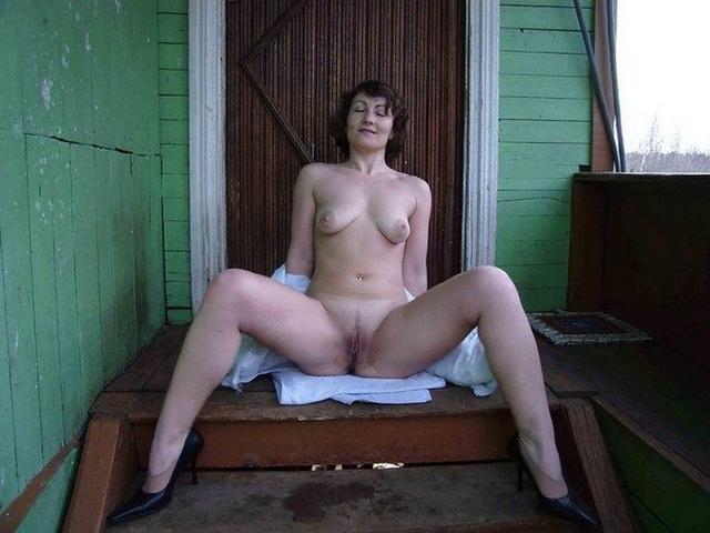 Вульвы замечательных возбужденных потаскух секс фото
