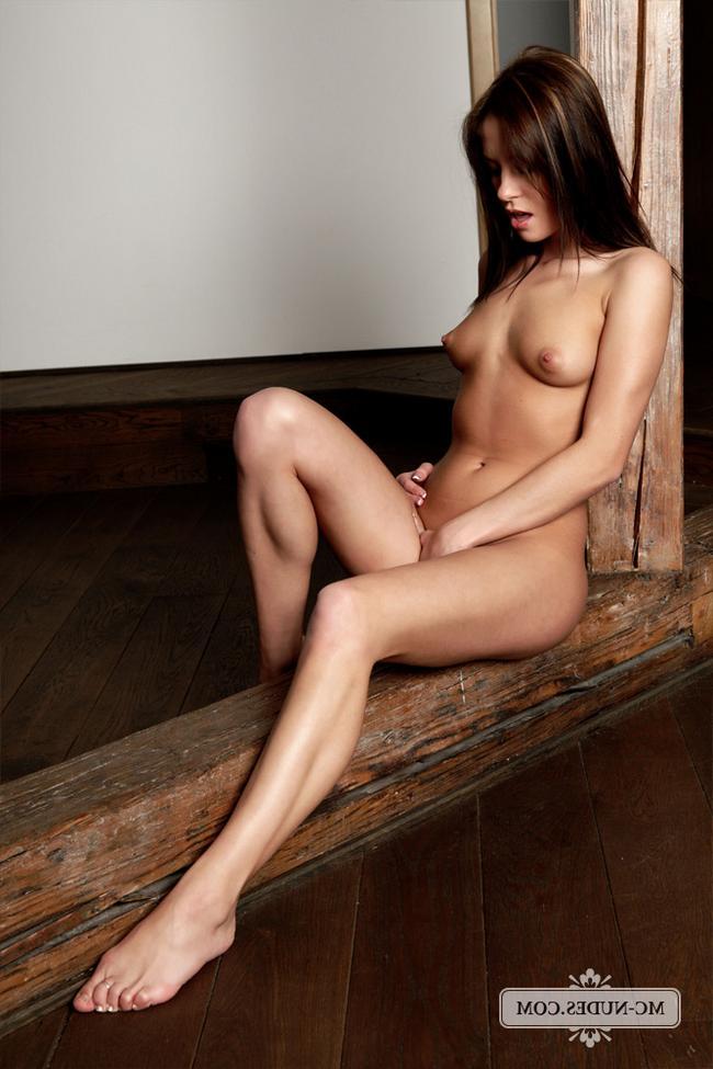 Голая Nessa секс фото
