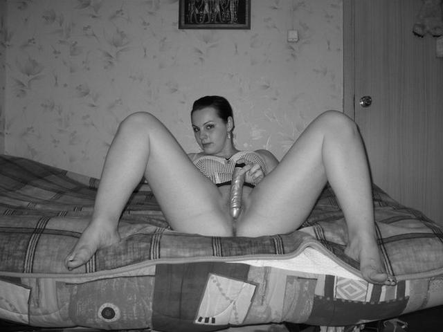 20-летние соски раздвигают ноги и демонстрируют готовность к интиму